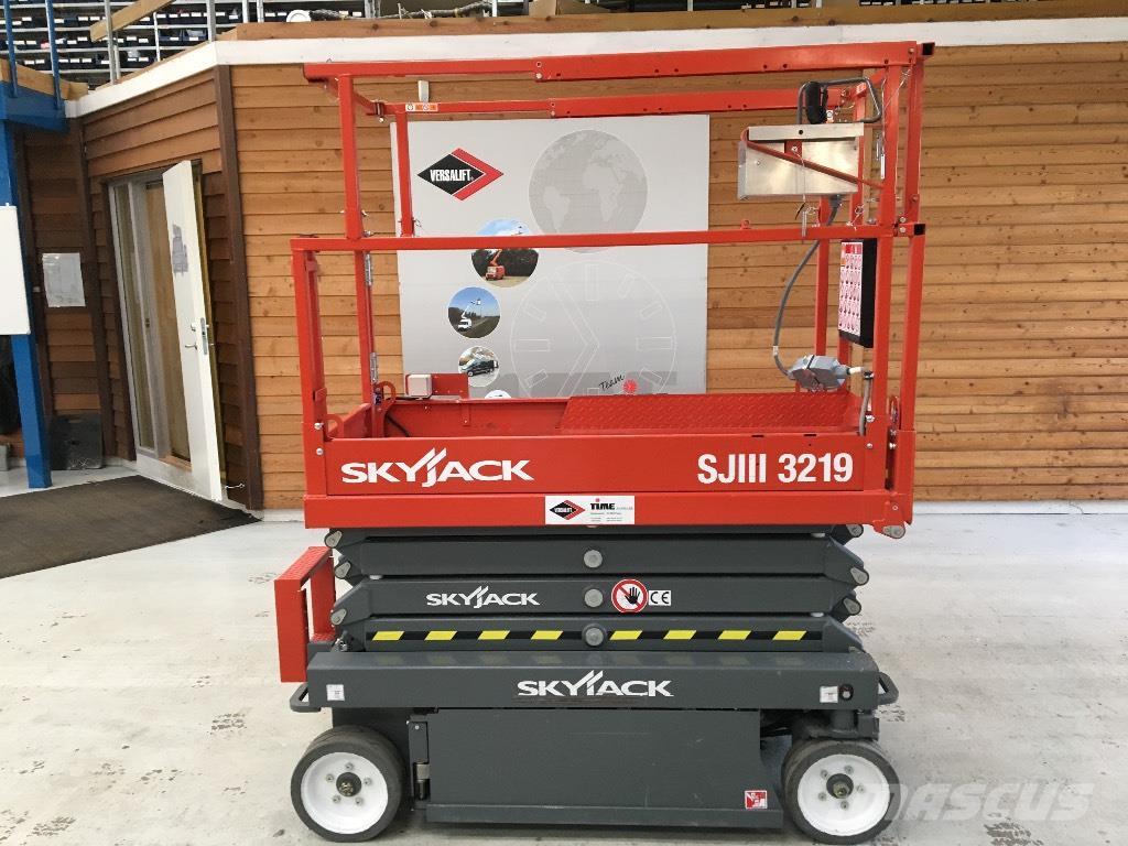 Sjö – Skyjack 3219