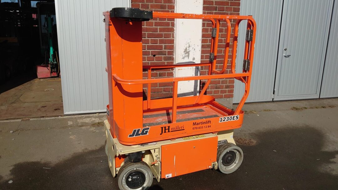 Pelarlift JLG 1230 ES Martinlift